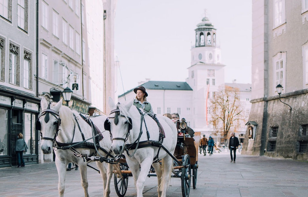 Lovebirds in Salzburg (Offers for your stay in The Mozart). SALZBURG FOR LOVERS Lovebirds in Salzburg